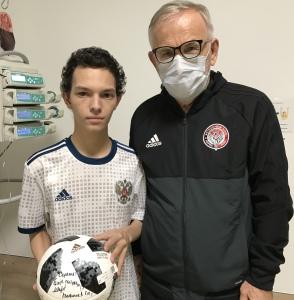 Гаджи Гаджиев и Сережа в новой форме и с мячом
