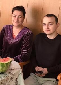 Анзор с мамой Маликой