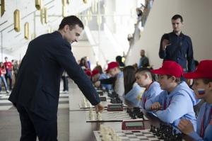 Сеанс одновременной игры в шахматы