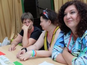 Елена Степакина (на переднем плане справа)